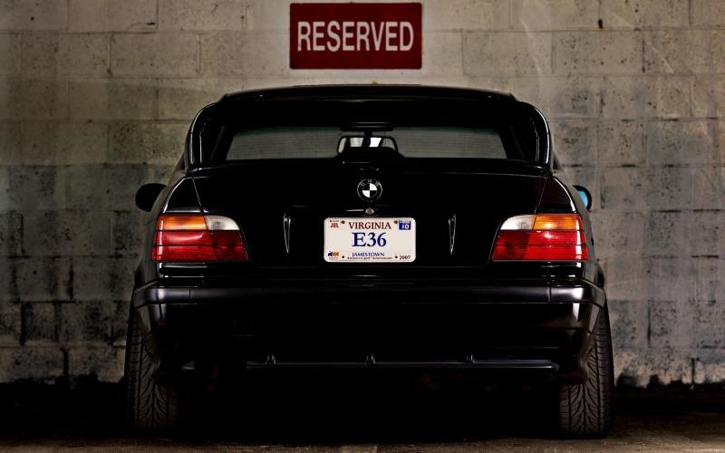 Stanced BMW E36