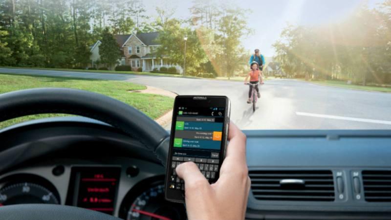andar-distraido-con-whatsapp-es-mas-peligroso-que-conducir-ebrio-1